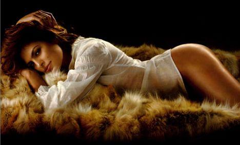 Eva Mendes Vogue'a soyundu - 64